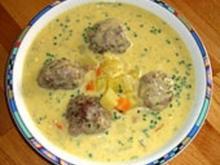 Kohlrabicremesuppe mit Fleischklößchen - Rezept