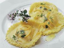 Ravioli mit Masacapone-Kürbis-Füllung - Rezept