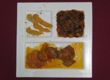 Schweinefiletröllchen gefüllt mit Fetacreme an Kartoffel-Paprikapüree und Ofengemüse - Rezept