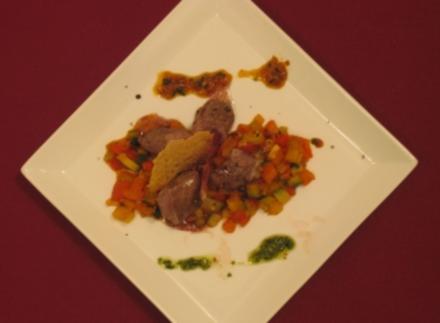 Ratatouille mit Lammfilet und Parmesan- und Iberico-Chips - Rezept