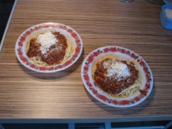 """""""PASTA"""" Spaghetti mit Hackfleischsoße und Parmesan - Rezept"""