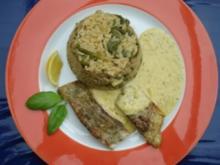 Spinatreis mit gebratenem Fisch und pikanter Soße - Rezept