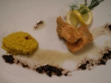 Lachs in Senfkornpanade an Kohlrabi-Safranpüree und schwarzem Olivenöl - Rezept