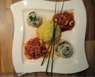 Pangasius-Kräuterröllchen an Kartoffelpürre mit Krenn und Tomatengemüse - Rezept