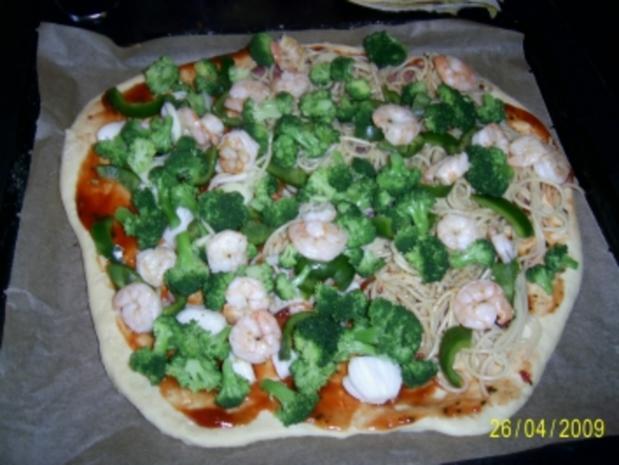 Spaghettipizza mit Garnelen - Rezept