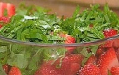 Erdbeeren mit grüner Pfeffer-Marinade - Rezept