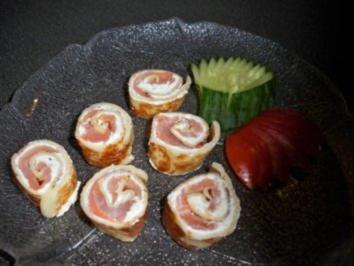Gefüllte Pfannkuchenröllchen mit Räucherlachs und Wasabicreme - Rezept