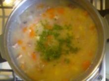 Graupensüppchen mit Gartenkräutern und Gemüsewürfeln - Rezept