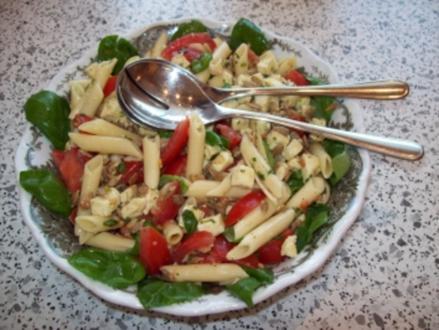 Nudel - Mozzarella - Salat - Rezept