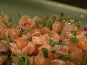 Lachstatar mit Avocado-Dip und süß-sauren Croutons - Rezept - Bild Nr. 9