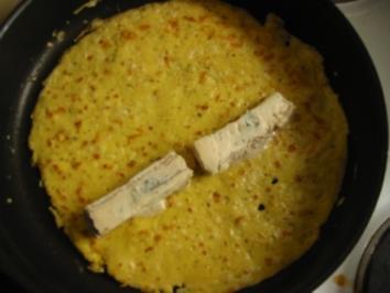 Pfannkuchen mit Gorgonzola gefüllt - Rezept