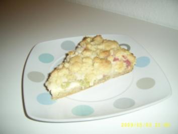 Rhabarberkuchen mit Vanillecreme und Streuseln - Rezept