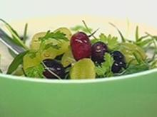 Kalte Mandelsuppe mit Trauben - Rezept