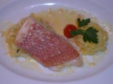 Red Snapper an roter Currysoße mit Spitzkohl und Safranreis - Rezept