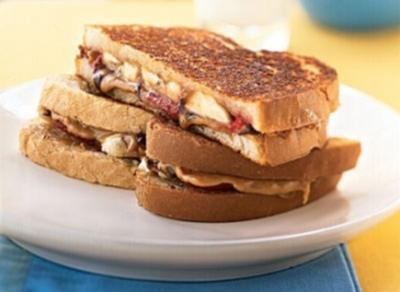 Erdnussbutter-Bananen-Sandwich - Rezept