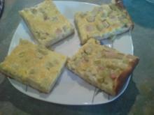 Rhabarber-Blechkuchen mit Vanilleguss - Rezept