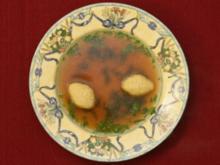 Griesklößchen-Suppe (Dolly Buster und Helena Dvorak) - Rezept