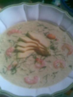 Avocadosuppe mit Garnelen - Rezept