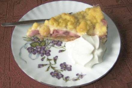 Rhabarberkuchen mit Erdbeeren - Rezept