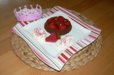 Erdbeer-Schoko-Törtchen - Rezept
