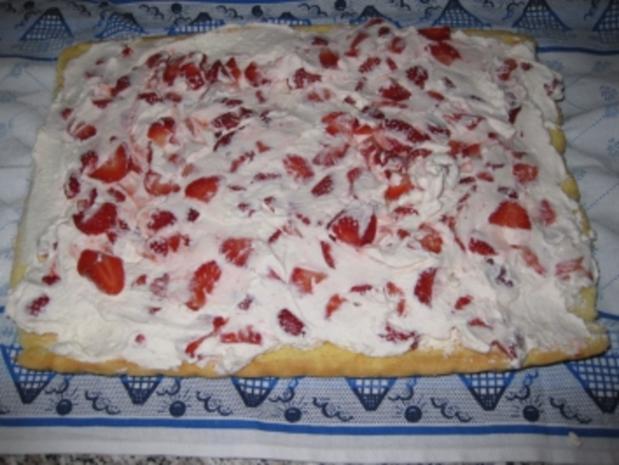 Erdbeer-Sahnerolle - Rezept - Bild Nr. 9