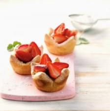 DESSERT- Erdbeeren im Karamellmantel und Vanilleflan - Rezept