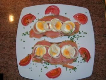 Rezept: Lachsschnittchen mit Ei, Zwiebel und Sahnemeerrettich - Abendüberraschung meines Mannes -