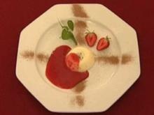 Panna Cotta auf Erdbeer-Püree (Martin Stosch) - Rezept
