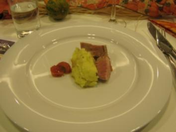 Schweinefilet im Schinkenmantel mit Kartoffel-Knoblauch-Püree - Rezept