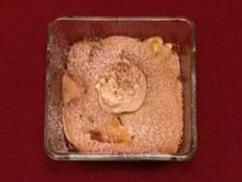 Texas peach cobbler with vanilla ice cream (Oliver Beerhenke) - Rezept