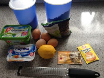 guelhupf:mit Frischkäse und rosienen - Rezept
