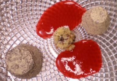 Mousse und Parfait vom Mohn auf Himbeerspiegel mit Schoko-Krokette - Rezept