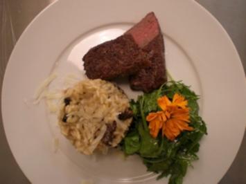 Morchelrisotto an Wildkräutersalat mit Lammrücken - Rezept