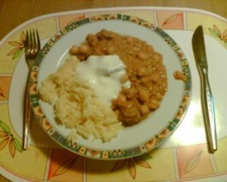 Rezept: Chicken Curry mit Kichererbsen, roten Linsen und Kokosmilch