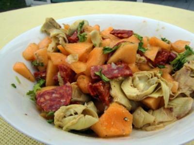 Salat aus Melonen, Artischocken und Chorizo - Rezept