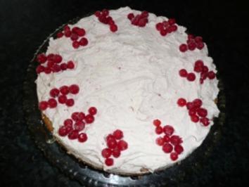 Rezept: Johannisbeer-Sahne-Torte