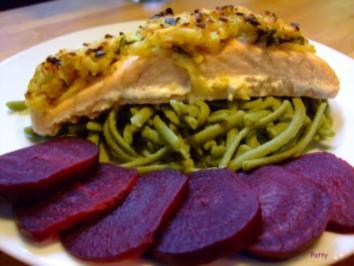 Lachs mit Kartoffel-Senf-Kruste auf Bärlauchspätzle - Rezept