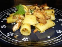 Dattel-Huhn-Nudeln - Rezept