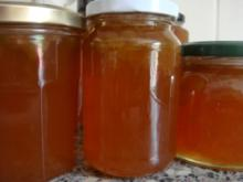 Marmelade:  Rhabarbergelee mit Exotischem Saft und Rum - Rezept