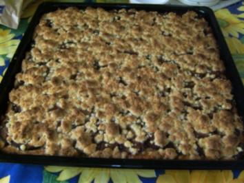 BLECHKUCHEN - Pflaumenkuchen mit Streuseln - Rezept