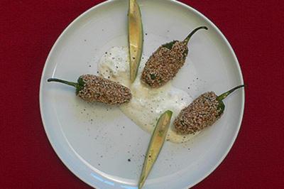 Gefüllte Pimentos im Sesammantel - Rezept