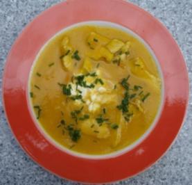 Möhren-Kartoffelsuppe mit Hähnchenfilet - Rezept