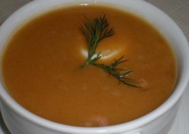Kartoffelsuppe mit Nordseekrabben und Schmand - Rezept