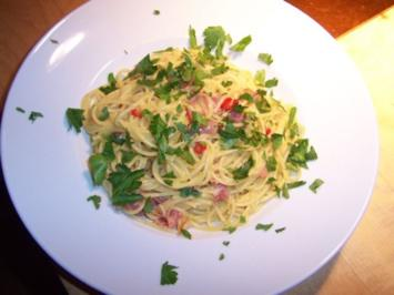 Spaghetti mit Schinken-Sahne-Sauce - Rezept