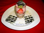 Erdbeerjoghurt im Glas mit Schokoerdbeere - Rezept