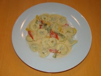 Tortellini in Paprikasauce - Rezept