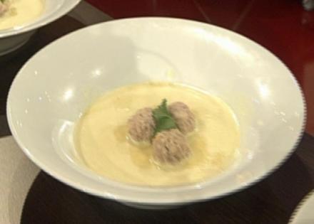 Kohlrabi-Currysuppe mit Kalbsbällchen - Rezept