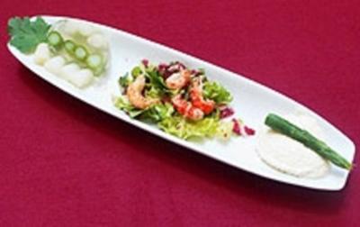 Spargelsülze und Spargelmousse auf Salatbett - Rezept