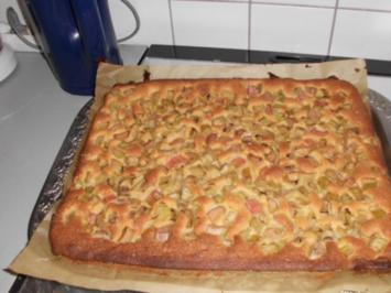 Schneller Rhabarberkuchen - Rezept