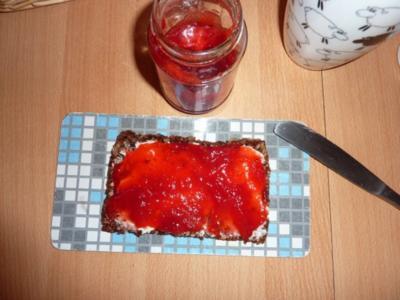 Marmelade: Erdbeermarmelade mit Bacardi - Rezept